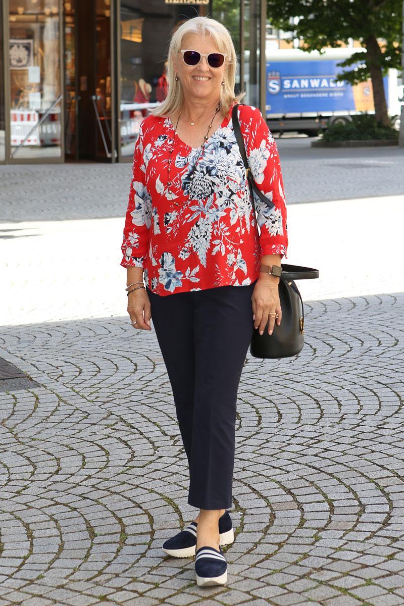 07-20-City-Look-Stuttgart Christine-Deiss,-67 06